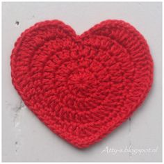 Heart Coaster By Atty - Free Crochet Pattern - (atty-s.blogspot)