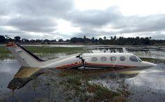 Mueren 22 personas al estrellarse avión militar en Ecuador