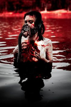 Women of Horror and Violence Gas Mask Art, Masks Art, Gas Masks, Horror Photography, Dark Photography, Psycho Photography, Gore Aesthetic, Blood Art, Sang