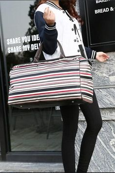 Casual Stylish Woman With Travel Duffel Waterproof Handbag - Side View Fashion Bags, Womens Fashion, Travel Bags For Women, Best Bags, Street Style, Stylish, Duffel Bags, Casual, Leather