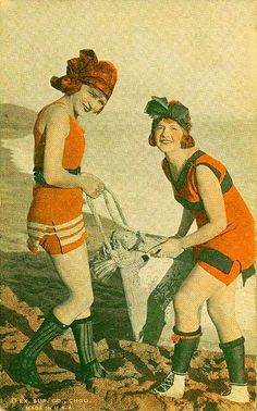 ARCADE CARD - EXHIBIT SUPPLY COMPANY - TWO WOMEN WITH LARGE CONTAINER ON BEACH - TINTED - 1920s