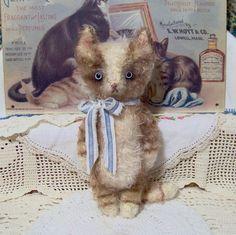 Frisky vintage style mohair kitty