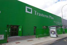 Trasteros y Mini almacenes a cinco minutos del Centro de Málaga y la estación de Tren de Vialia.