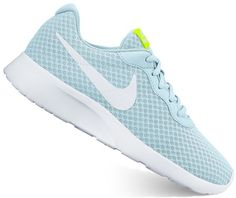 These Tanjun women's athletic shoes from Nike have a modern design that is convenient and comfortable, with a sleek no-sew upper. Athletic Socks, Athletic Women, Nike Tanjun, Blue Nike, Blue Shoes, Nike Women, Sneakers Nike, Dark Blue, Nike Footwear