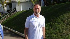 """Sem reforços, com milhões da China e """"pé direito"""", Mano reassume o Cruzeiro  #globoesporte"""