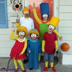 The Simpsons Family Costume - Halloween Costume Contest Halloween 2018, Family Themed Halloween Costumes, Simpsons Halloween, Halloween Costume Contest, Creative Halloween Costumes, Diy Halloween Decorations, Halloween Cosplay, Fall Halloween, Costume Ideas