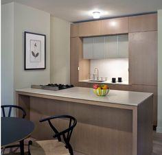 Inspire-se com 119 projetos diferentes de cozinhas pequenas modernas planejadas e decoradas. Confira as imagens!