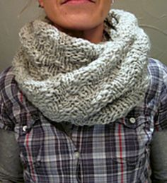a quick textured cowl for everyday