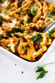 If you love meals that leave the whole family happy, you are going to love this Chicken Broccoli Penne Pasta. This healthy gluten free recipe is so ridiculously full of flavor. I am so happy that I found this deliciously easy meal. Penne And Broccoli Recipe, Chicken Broccoli Pasta, Chicken Penne, Broccoli Recipes, Chicken Recipes, Penne Pasta, Healthy Gluten Free Recipes, Healthy Pasta Recipes, Healthy Pastas