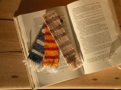 Loving these cute bookmarks I made recently. They will be going up on my etsy shop when I have a few more made. Handwoven in Ireland. #weaving #woven #wovenbookmark #loom #weaverfever #art #artist #wool #yarn #gift #giftideas #handmade #buyhandmade #etsy #etsyseller #etsyshop #corkireland #ireland #corkcity #reading #book #books #bookmark #read