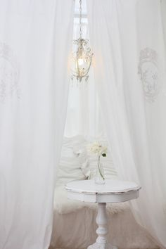 white and shabby chic - Table De Cuisine Design2720