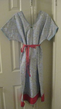 Free sewing pattern for Maternity Hospital Gown! And u better believe I'm monograming it !