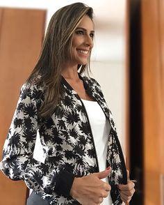 """""""blanco y negro! Me gusta me gusta esta chaqueta @marketingpersonal #CaroSotoesMP"""""""