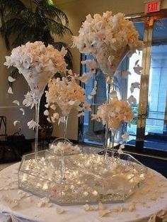 Beautiful U0026 Elegant Giant Vase In The Shape Of A Martini Glass Is Perfect  As A Centerpiece For Weddings And Other Special Occasions. Vase Has An ...