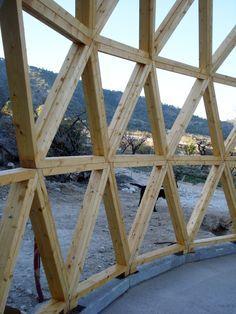 Comienza la construcción de la vivienda geodésica y autosuficiente en Yecla…