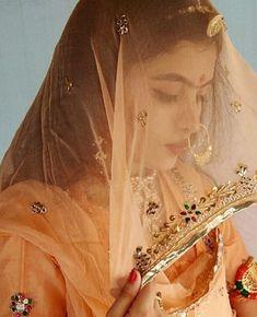 Rajasthani Bride, Rajasthani Dress, Indian Wedding Bride, Indian Wedding Outfits, Wedding Dress, Indian Bridal Fashion, Indian Bridal Wear, Bridal Photography, Photography Poses