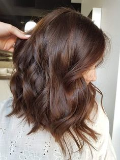 bunte Haare Bob Braun hair 2019 The price is something else that you may be pleased about. Brown Hair Shades, Light Brown Hair, Brown Hair Colors, Warm Brown Hair, Chestnut Brown Hair, Medium Brown Hair Color, Brown Auburn Hair, Brown Brown, Mahogany Brown Hair