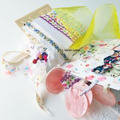 Paper Embroidery, Paper Design, Home Crafts, Paper Art, Beads, Pretty, Artist, Stitching, How To Make