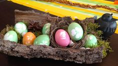 DIY: Colour and decorate your EASTER Eggs with flowers and leaves from the garden