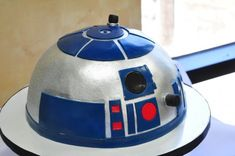 If your little one wants a party that's out of this world, check out our Top Ten list of amazing Star Wars Cake Ideas!
