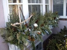 and other Christmas items on the site. and other Christmas items on the site. Christmas Window Boxes, Winter Window Boxes, Christmas Planters, Christmas Porch, Christmas Items, Country Christmas, Outdoor Christmas, Christmas Wreaths, Christmas Decorations