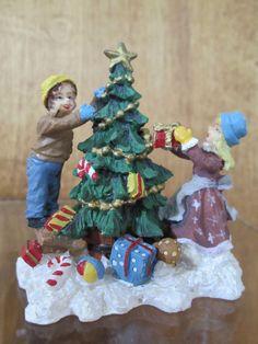Christmas Village Figure DECORATING THE TREE Vintage Carole Towne Lemax Dept. 56