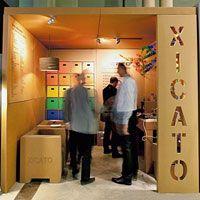 Cardboard Exhibition Stand - In Use in Madrid Cardboard Design, Cardboard Display, Cardboard Toys, Cardboard Packaging, Cardboard Furniture, Expo Stand, Temporary Architecture, Exhibition Stand Design, Printing Companies
