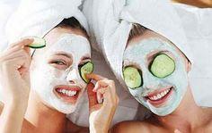 Faça uma máscara facial clareadora a base de pepino