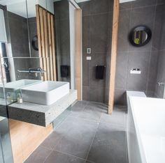 Alisa and Lysandra Main Bathroom Fans Vs Faves | The Block vertical tiling