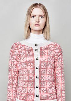 Ravelry: 42 Norske Kofter fra Lindesnes til Nordkapp - patterns Vintage Knitting, Free Knitting, Knitting Machine, Pattern Books, Knit Patterns, Bunt, Free Pattern, Knit Crochet, Ravelry
