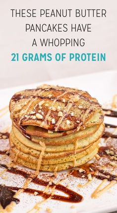 These peanut butter pancakes are a perfect breakfast before or after your workout because theres 21 grams of protein in just one serving. And theyre low in fat so they wont wreak havoc on your waistline. Low Fat Pancakes, Peanut Butter Pancakes, Oat Pancakes, Peanut Butter Protein, Vegan Protein Pancakes, Healthy Muffins, Waffles, Protein Foods List, Healthy Protein Snacks