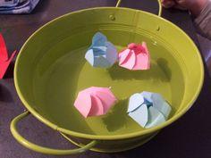 Tableau Récapitulatif des Participations au Rendez-Vous Blog Avec Nos 10 Doigts - 1 activité Enfants sur un thème donné tous les 2eme mercredi du mois - Mois 1 mars 2017 thème le printemps - Fleurs en papier qui s'ouvre sur l'eau !