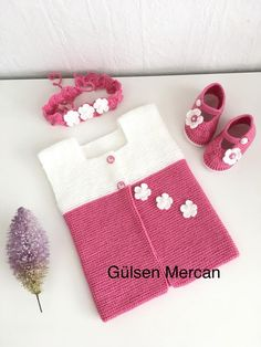 Harosha Knitted Baby Vest and Booties Set - Babykleidung Baby Sweater Knitting Pattern, Crochet Bikini Pattern, Baby Knitting Patterns, Knitting Blogs, Knitting For Kids, Knitting Kits, Knitted Baby Clothes, Knitted Baby Blankets, Handmade Kids Bags