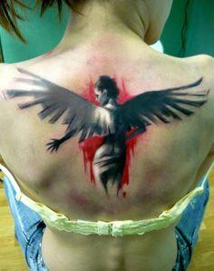 striking-angel-tattoo-on-back