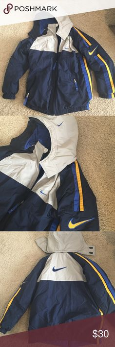 Boys 14/16 Nike down coat, reversible Boys Nike winter coat in excellent condition. Reverses to fleece coat and has detachable hood. Size XL youth. Nike Jackets & Coats Puffers