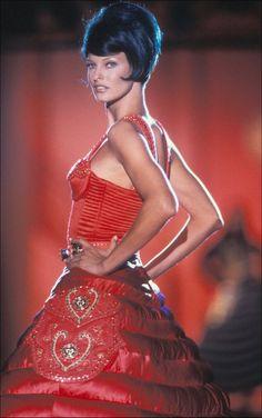 Linda Evangelista: Gianni Versace
