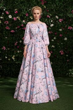 fashion Beautiful Street Style Looks . Worn without the off shoulders Modest Fashion, Hijab Fashion, Fashion Dresses, Fashion News, Women's Fashion, Fashion Trends, Mode Abaya, Mode Hijab, Pretty Dresses