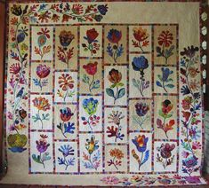 Love how this quilter, Nanette Sturgill, modified the Kim McLean pattern by simplifying the borders.  Seen at the Quilt Show onThe Daily Blog