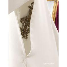 Details about someone who changed our lives...  Next coming soon!!! Happy day :) #somethingyouwouldliketowear #noviasbydearroyo #dearroyoateliernovias #dearroyoatelier #amedida #handmade #altacostura #modaespañola #hautecouture #luxurycouture #luxury #novia #bride #bridal #wedding #weddingplanner #vestidodenovia #bridedress #bridaldress #vestido #dress #foto #pic #moda #fashion