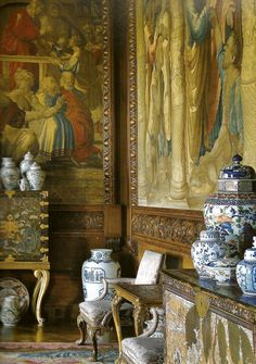 The State Drawing Room, Chatsworth has been restored to its 17th century interior arrangements, based on estate inventories, illustrating the spirit and slendour of the Baroque interior with imported Chinese porcelain, newly arrived in Europe, placed en masse on cabinets on stands composed of Chinese Coromandel panels.-PB