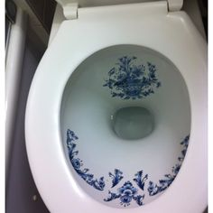 blue Delft ...... subtle :) (How could I be expected to doody in something so lovely?)