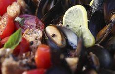 Maak jou kampbure jaloers met die aroma van vis en vars seekos by jou braaiplek.