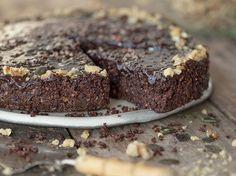 veganer-schokoladenkuchen-glutenfrei-ohne-backen-1
