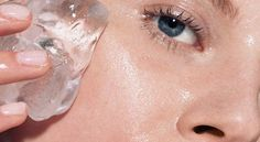 15 Simple Tricks to Get Clear Skin Overnight - Rub an ice cube all over the area for about two minutes before applying an acne cream or a DIY face mask. Beauty Care, Beauty Skin, Hair Beauty, Beauty Makeup, Natural Makeup, Natural Skin Care, Natural Glow, Natural Beauty, Beauty Secrets