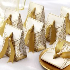 Wedding White and Gold Favor Box (50 pcs set ) now average $0.52 each with FREE shipping ! Myasiatrade.com