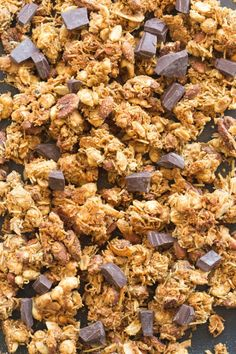 Easy keto granola recipe made with lots of nuts and NO oil- naturally sweetened oil free and sugar free! Vegan, gluten free and paleo. Crunchy and loaded with clusters! Blanched Almond Flour, Blanched Almonds, Crunch Bars Recipe, Granola Clusters, Granola Bars, Keto Cereal, Low Carb Granola, Candied Almonds, Keto Candy