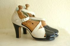 vintage 1930s shoes / 40s black and white by ...