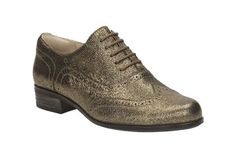Clarks Hamble Oak - Gold Metallic Leather Ladies Brogues Various Sizes Metallic Shoes, Metallic Leather, Ladies Brogues, Casual Chic, Casual Shoes, Shoes Outlet, Shoe Sale, Look Fashion, Clarks
