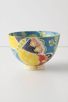 how delicately i would slurp my noodles from this little lovely vessel.