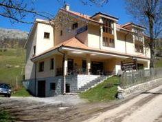 Abril 2007. Sotres (Asturias)